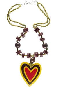 Vintage look hearts necklace yellow red